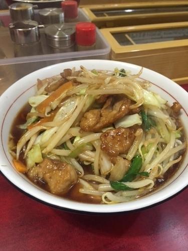 「肉野菜ラーメン(醤油) 750円」@拉麺 龍栄の写真