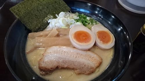 「味玉濃厚鶏だしラーメン(塩)」@らーめんなが田の写真
