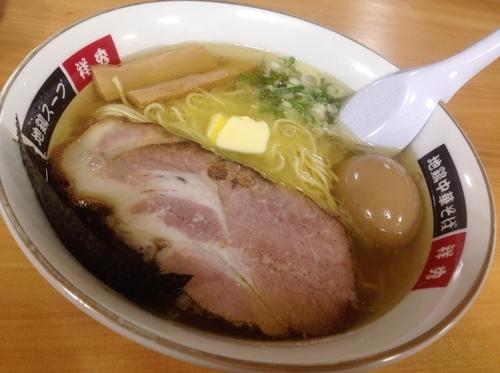 「塩バターラーメン 地鶏の煮玉子」@地鶏中華そば 祥秀の写真