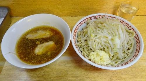 「小(700円)+ラー油つけ麺(100円)ニンニク」@ラーメン二郎 環七新新代田店の写真