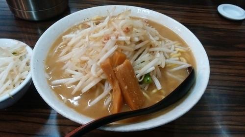 「味噌ラーメン 特盛 ヤサイ大盛」@味噌麺処 花道の写真