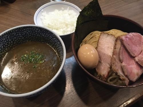 「特製極濃つけ麺中盛+タマネギ」@煮干しつけ麺 宮元の写真