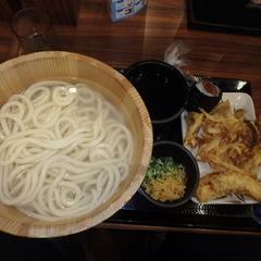 丸亀製麺 可部店の写真