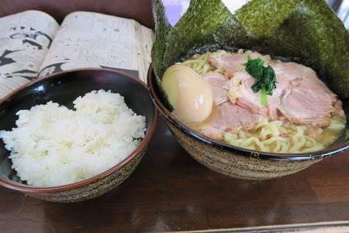 「囲ラーメン黒 特盛 全部乗せ+ライス 1050円」@自家製麺 囲 -KAKOI-の写真