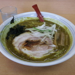 室蘭カレーらーめん じぇんとる麺 弥生店の写真