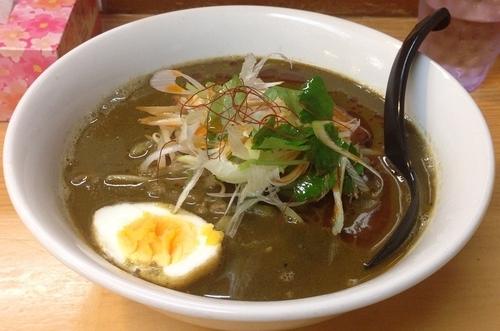 「黒胡麻カレー担々麺(秋冬限定・ライス付)990円」@魔女のカレーの写真
