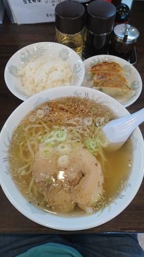 「塩ラーメン 餃子3ケ 小ライス(Dセット) 860円」@青竹手打ちラーメン 義信の写真