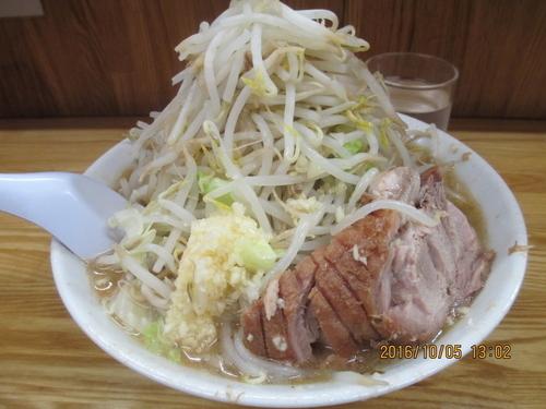 「小ラーメン ニンニク野菜 ¥700」@ラーメン二郎 赤羽店の写真