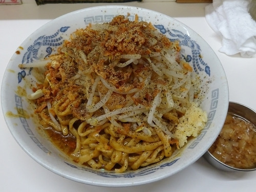 「カレー汁なし(900円)ニンニクアブラ」@ラーメン荘 歴史を刻め 新栄の写真