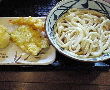 「ぶっかけうどん(並・温/290円)+天ぷら3種=710円 ※」@丸亀製麺 八潮店の写真