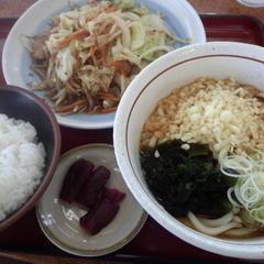 山田うどん 北園店の写真
