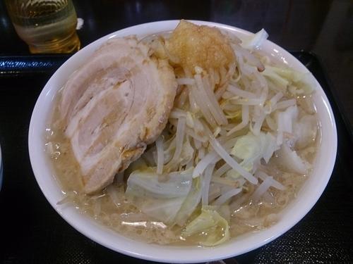 「めん組小次郎 野菜多め ニンニク少なめ」@本節鰹だしらぁめん めん組 松本店の写真