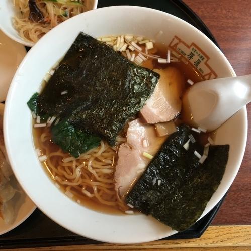「チャーシュー麺700円+餃子100円」@旬菜小皿酒家 房屋の写真