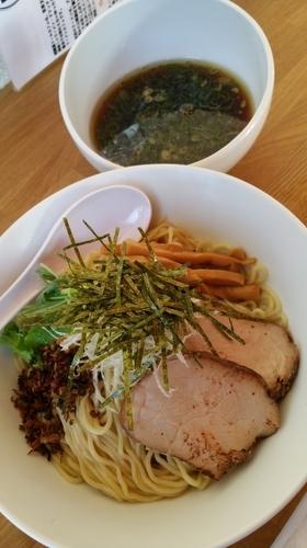 「甲州地鶏と魚介のつけソバ」@湖麺屋 Reel Cafeの写真