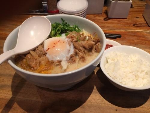 「博多肉そば ライス 裏メニューとんこつぶた丼」@一風堂 横浜ポルタ店の写真