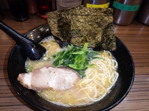 「ラーメン 細麺」@せい家 千歳烏山店の写真