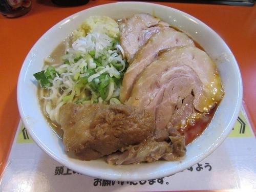 「ラーメン豚一切れ(840円)+豚券(130円)」@ちばからの写真