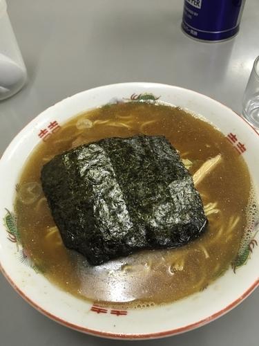 「魚正油ラーメン 820円」@まるたかラーメンの写真