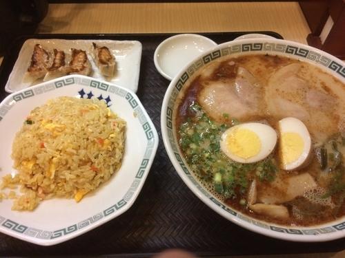 「炒飯定食」@熊本拉麺 桂花 新幹線口店の写真