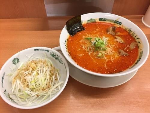 「ピリ辛とんこつネギラーメン大盛」@日高屋 西武新宿前北店の写真