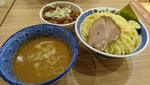 「濃厚つけ麺+大盛り+チャーシュー丼」@つじ田 ららぽーと富士見店の写真