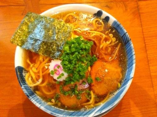 「醤油らーめん特盛 (平打ち麺)」@麺屋 湯や軒の写真