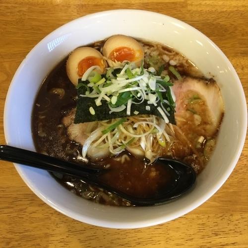 「ラーメン魚 (690円) 特入り (200円)」@麺屋壱 松山店の写真