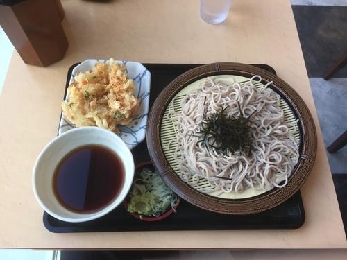「ざるそば・かき揚げ」@名代 箱根そば 成城学園前店の写真