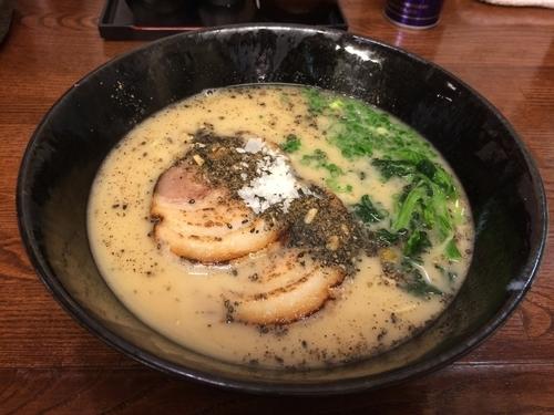 「白ストレート 650円」@麺場なっくるの写真