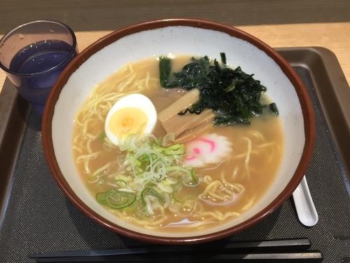 「煮干しラーメン」@名代 富士そば 元住吉店の写真