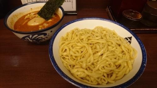 「辛いつけめん(中)+味玉(クーポンサービス)」@つけめん 玉の写真