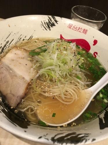 「牛骨塩ラーメン 720円」@屋台拉麺 一's 幕張店の写真
