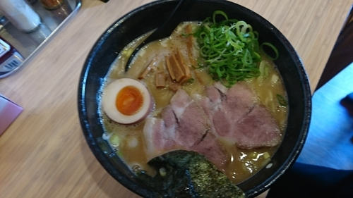 「老鶏白湯中華そば」@麺屋 隆勝の写真