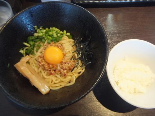 「まぜそば700円(イベントにて100円)&特製餃子350円」@麺屋ひぶたの写真