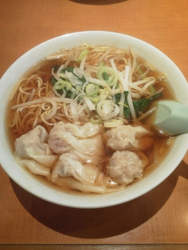 「ワンタン麺590円(税抜)」@口福館の写真
