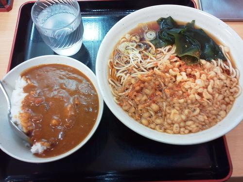 「カレー丼セット 580円」@梅もと 新宿西口店の写真