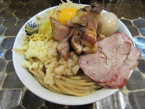 「限定 豚まぜ(900円)+味玉+窯焼きチャー」@特級鶏蕎麦 龍介の写真