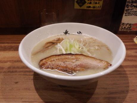「塩らーめん」@春一家 三代目 麺宿の写真
