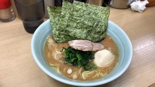 「味玉ラーメン 並 750円」@横浜らーめん 武蔵家 池袋店の写真