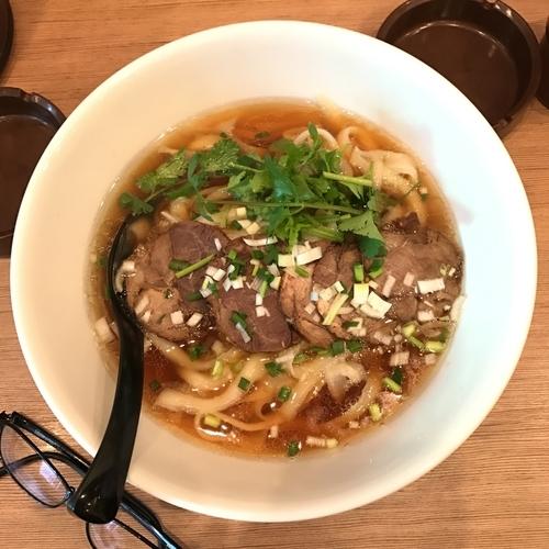 「牛肉刀削麺」@ラーメン 十二麺坊の写真