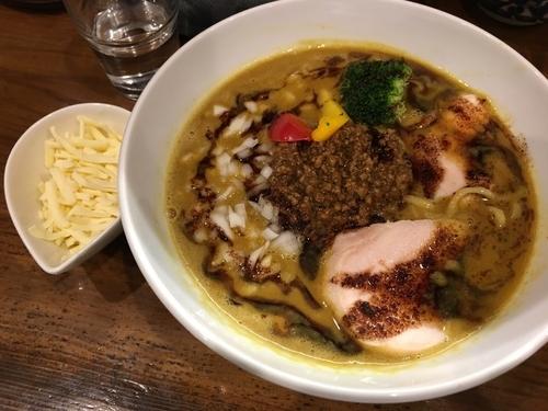 「限定 咖喱らぁめん+チーズ+半ライス」@麺匠 ことぶきの写真