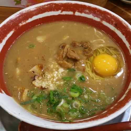 「特製にんにくラーメン」@徳島ラーメン 麺王 高松駅前店の写真