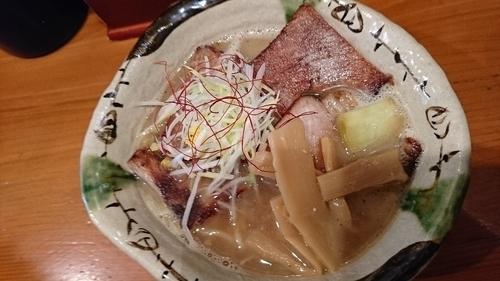 「Wスープチャーシューメン」@麺道 ともよし 東三国店の写真