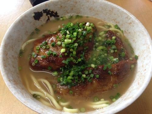「ソーキそば(中)」@明石食堂の写真