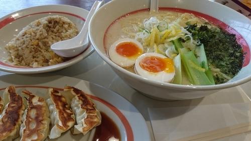 「鶏白湯らーめん+半チャーハンセット+他」@幸楽苑 イオンモール日の出店の写真