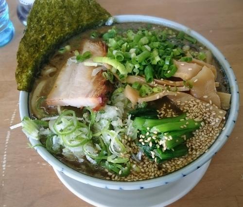 「トンコツラーメン 950円」@MENYA 食い味の道有楽の写真