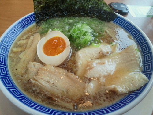 「上本丸醤油麺 637円」@大志軒 福島泉店の写真