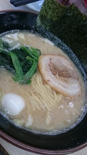 「醤油ラーメン並700円全部普通」@すずき家 下永谷2号店の写真