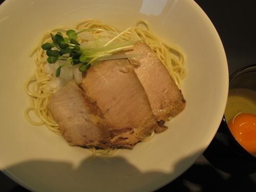 「油そば(醤油)+生たまご+肉増し「400+100+200」」@煮干乱舞の写真