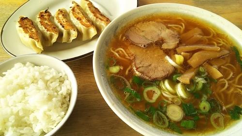 「定食①(中華そば、ギョーザ5、ライス小)」@中華そば まるせいの写真